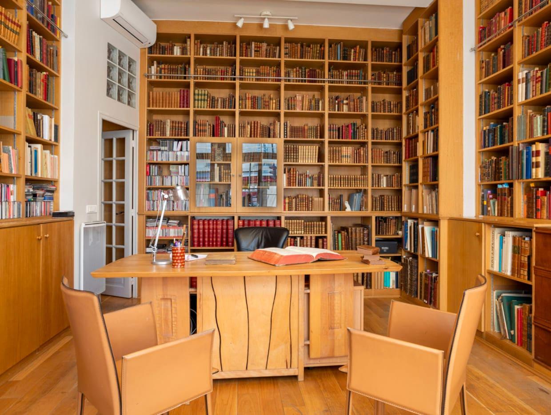 Inside Librairie Hatchuel